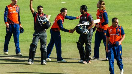 Players shake hands at the end of the Group A World Cup Qualifier cricket match played between United Arab Emirates and the Netherlands at Harare Sports Club in Harare March 8 2018 (©ICC).
