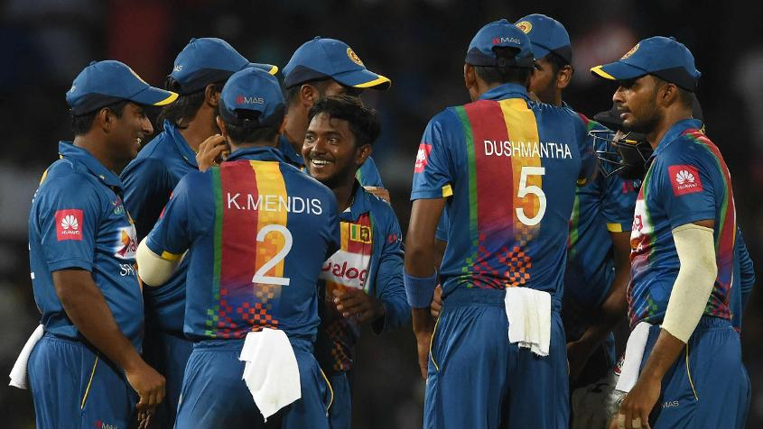Akila Dananjaya kept Sri Lanka in the hunt with an excellent spell early on