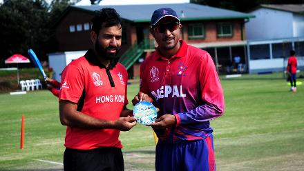 Nepal captain Paras Khadka and Hong Kong captain Babar Hayat toss up ahead of the final match of Group B, ICC World Cup Qualifier at BAC in Bulawayo, Mar 12 2018 (©ICC).