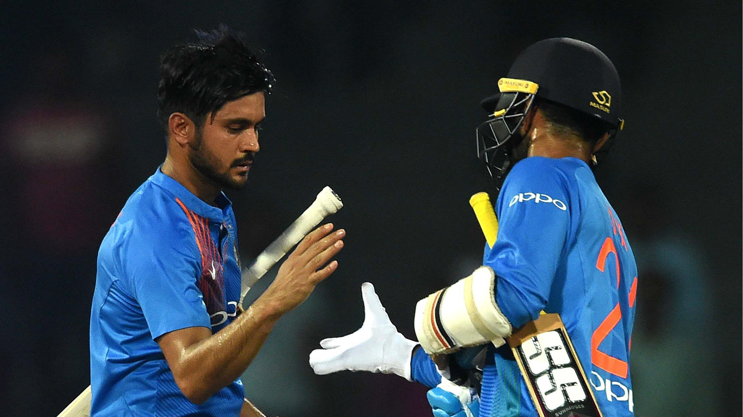 India seek win to book berth in tri-series final