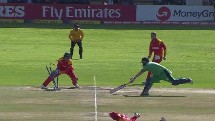 Stirling run out by Zimbabwe after setting off for a non-existent single