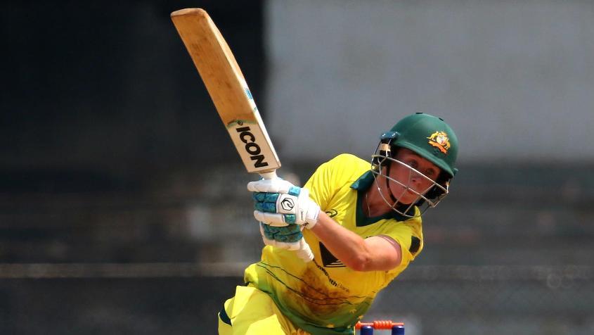 Beth Mooney slammed a 46-ball 71 at the top of the Australian innings