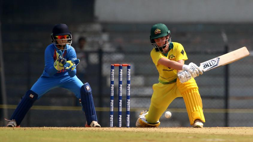 Elyse Villani scored 61 in 42 balls to help take Australia to 186/5