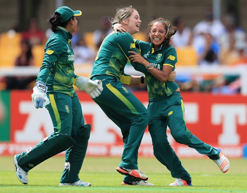 Dane van Niekerk (middle) will lead South Africa