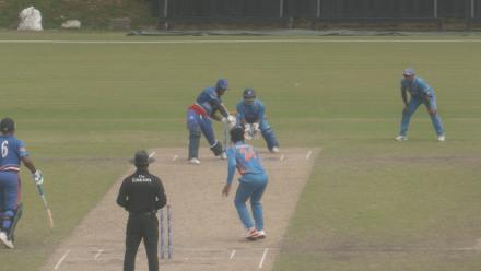Kamau Leverock smashes sixes while batting injured at No.7