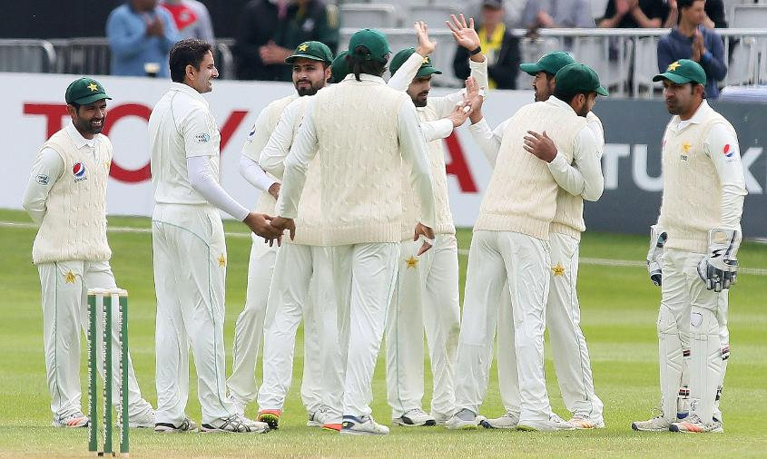 Pakistan could overtake England in the team rankings if they pull off victories in both matches at Lord's and Headingley