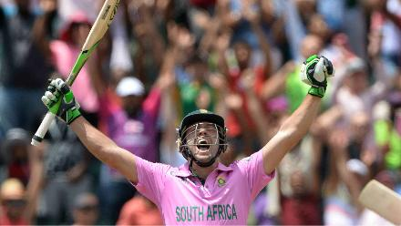The fastest ODI ton: De Villiers hit 100 runs in just 31 balls against the Windies in Johannesburg in January 2015