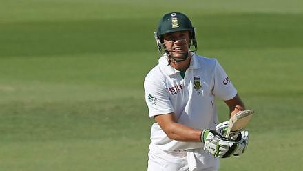 AB batted for 246 minutes without hitting a boundary to help save the Adelaide Test in 2012