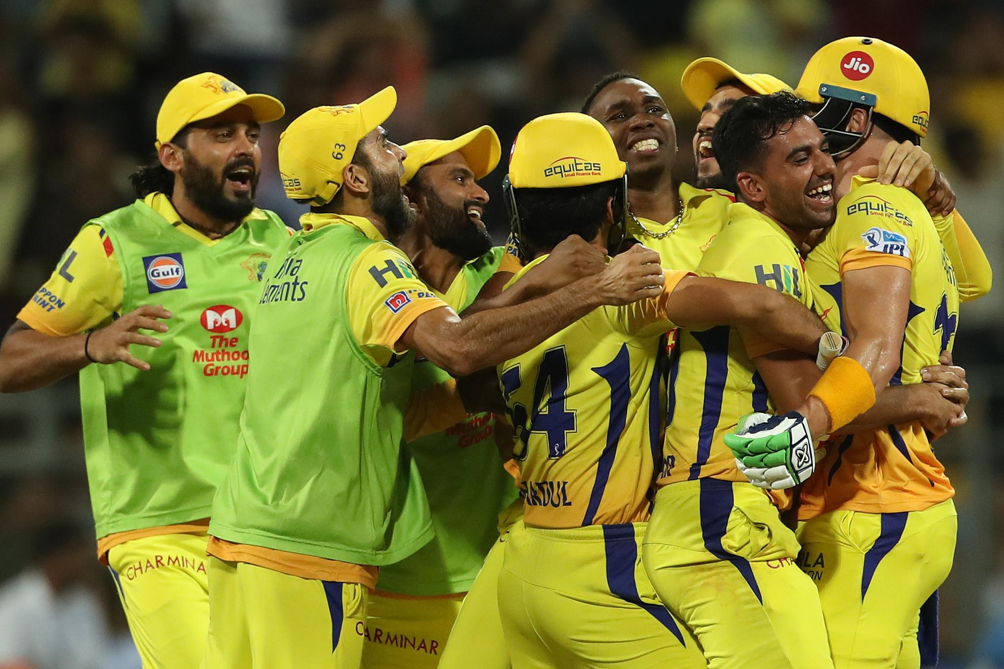 Super Kings and Royal Challengers clash in IPL 2019 opener