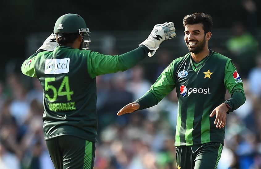 Shadab Khan took the key wicket of Calum MacLeod