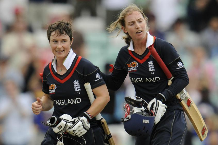An unbeaten 122-run third-wicket stand between Taylor and Beth Morgan helped England chase down Australia's 164