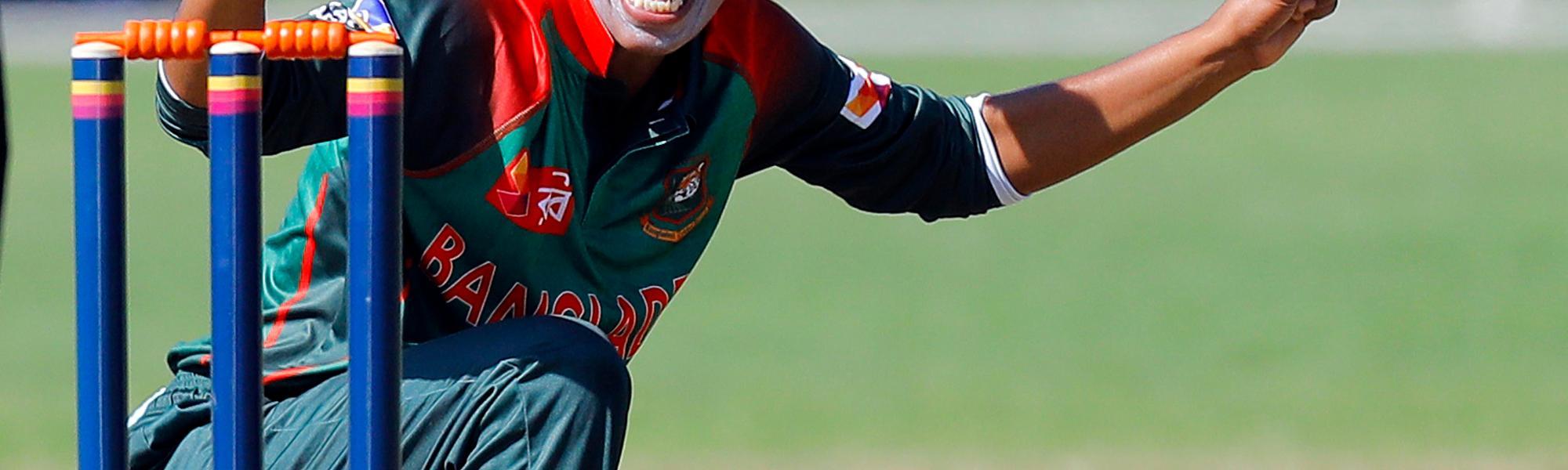 Match 7: Bangladesh Bowler Fahima Khatun appeals for a LBW, Netherlands Women v Bangladesh Women, Group B, ICC Women's World Twenty20 Qualifier at Utrecht, 8th July 2018.