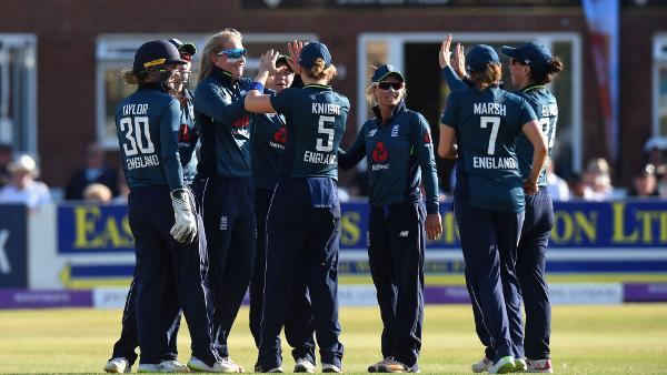 England thrash New Zealand to go 2-0 up