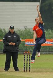 Mariska Kornet coming in to bowl, NL v PNG, VRA, 10th July 2018