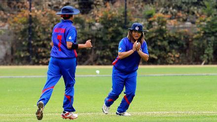 Thailand fielder takes the catch of RV Scholes, 9th Match, Group B, ICC Women's World Twenty20 Qualifier at Utrecht, Jul 10th 2018.
