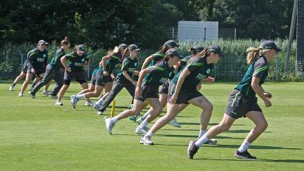 Ireland warming up, 1st Semi Final Ireland v PNG, VRA, 12th July 2018.