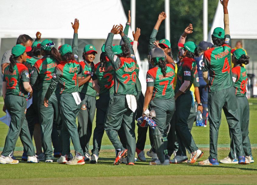 Celebrations after the win for Bangladesh, 2nd Semi-Final: Bangladesh Women v Scotland Women, VRA Ground, 12th July 2018.