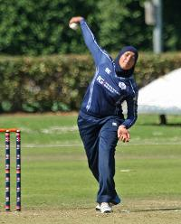 Abtaha Maqsood bowling leggies, 2nd Semi-Final: Bangladesh Women v Scotland Women, VRA Ground, 12th July 2018.