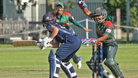An unsuccessful appeal by keeper Shamima Sultana, 2nd Semi-Final: Bangladesh Women v Scotland Women, VRA Ground, 12th July 2018.