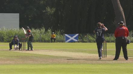 WT20Q: Rapid glove-work from Scotland's Sarah Bryce!