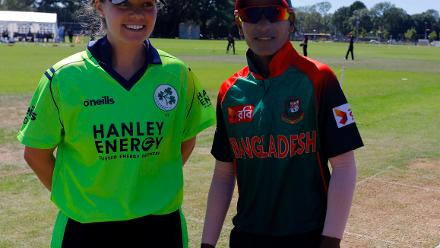 Bangladesh Capt Salma Khatun and Ireland Capt Delany at the toss,  Final, ICC Women's World Twenty20 Qualifier at Utrecht, Jul 14th 2018.