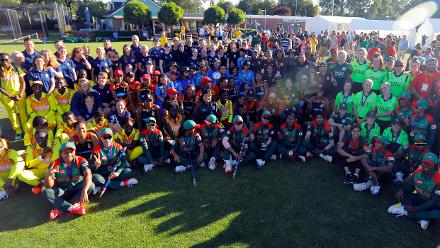 All of the teams pose for a Group shot, Final, ICC Women's World Twenty20 Qualifier at Utrecht, Jul 14th 2018.