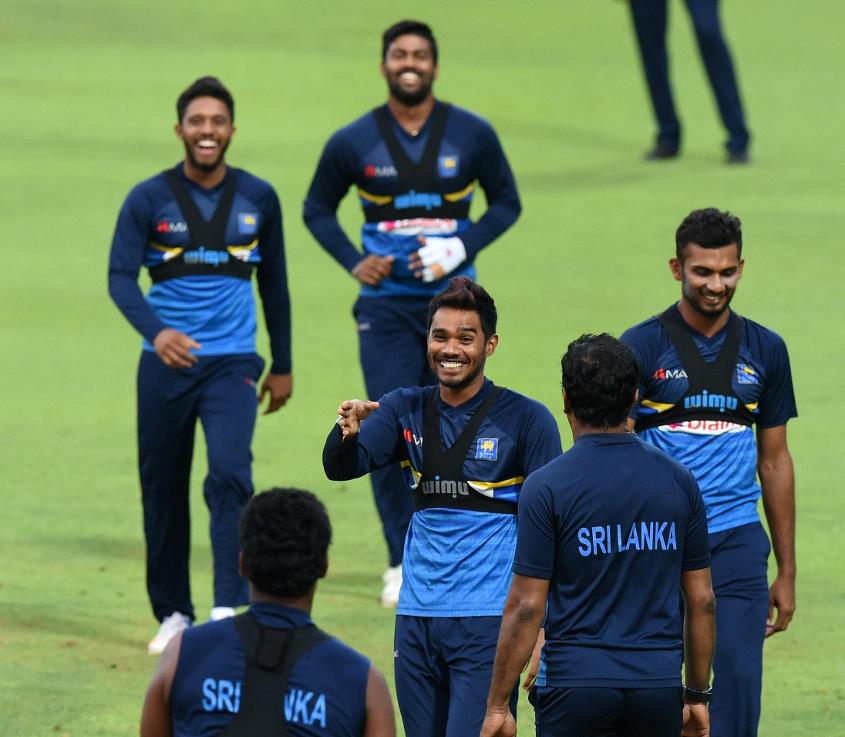 The rest of the Sri Lankans can take a leaf out of Dhananjaya de Silva's book