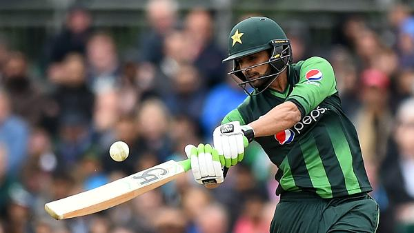 Shoaib Malik becomes fourth to cross 8000-run mark in T20s