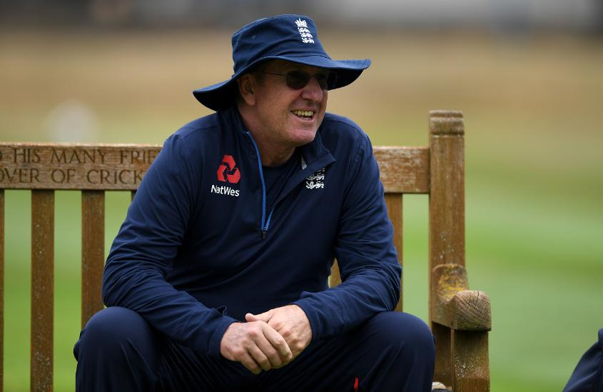 Bayliss has a big call to make regarding selection for the third Test