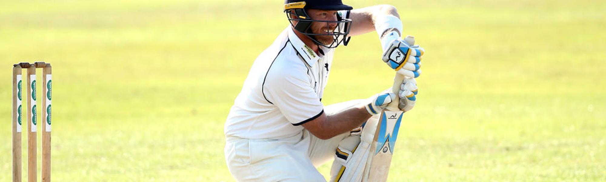 Ian Bell bats for Warwickshire