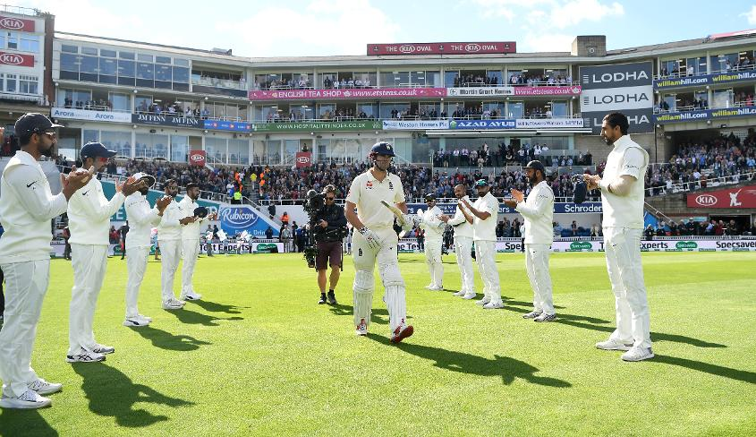 Cook received a guard of honour before the start of the day's play