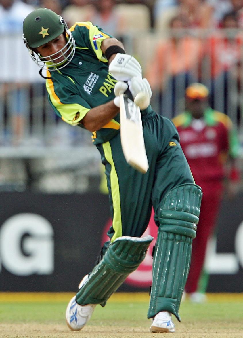 Shoaib Malik in action at the ICC Cricket World Cup 2007