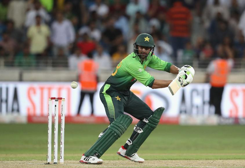 Shoaib Malik bats during the first ODI between Pakistan and Sri Lanka, Dubai, October 2017