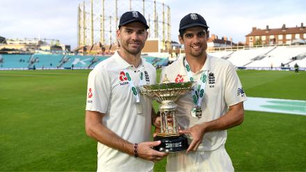 Cook and Anderson pose with the Pataudi Trophy