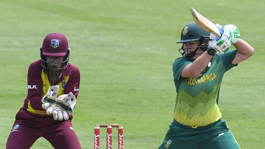 Dane van Niekerk shored up the South Africa innings in the second ODI with a half-century
