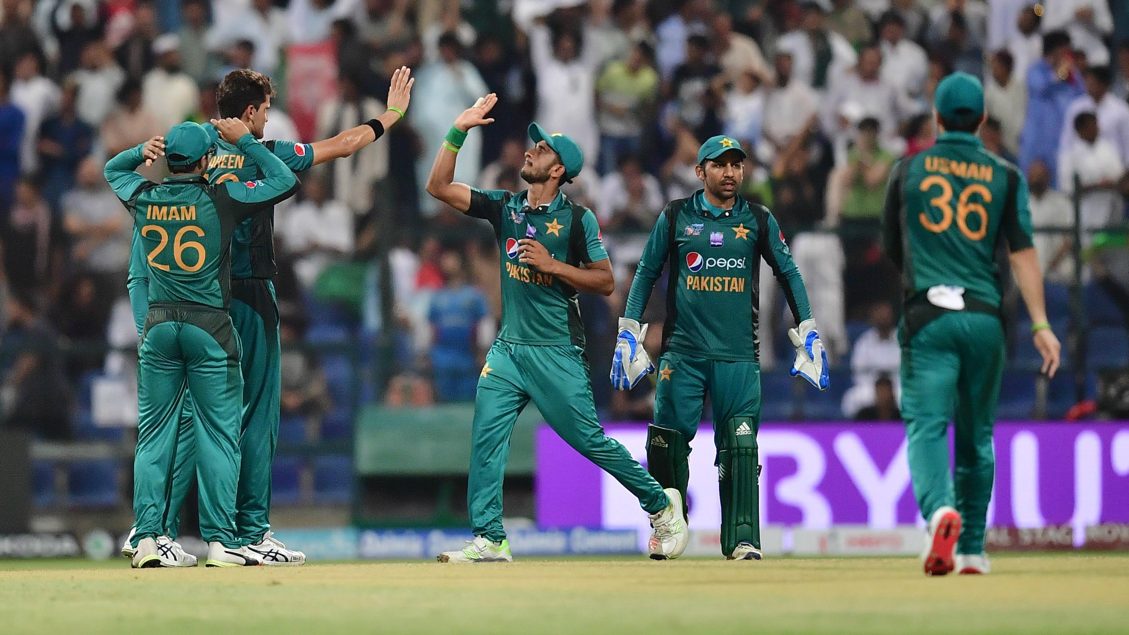 Bangladesh Meet Pakistan To Set Up Date With India