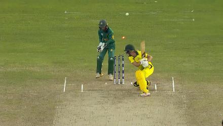 Aus v Pak: Aliya Riaz bowls Meg Lanning