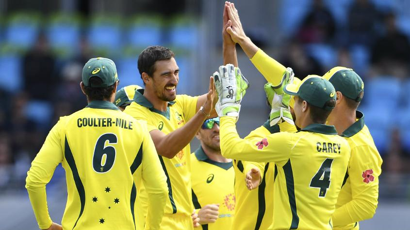 Mitchell Starc struck twice as South Africa were reduced to 55/3 by the 16th over