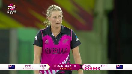 AUS v NZ: Devine gets Molineux with the final ball of the innings