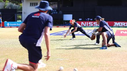 England warm up ahead ofthe ICC Women's World T20 2018 match between England and South Africa at Darren Sammy Cricket Ground on November 16, 2018 in Gros Islet, Saint Lucia.