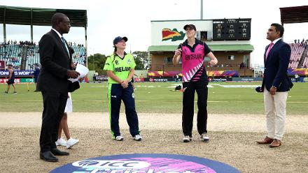 Amy Satterthwaite of New Zealand tosses the coin with Laura Delany of Ireland looking on during the ICC Women's World T20 2018 match between New Zealand and Ireland at Guyana National Stadium on November 17, 2018 in Providence, Guyana.