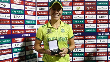 Nadine George, Former West Indies Captain, presents Marizanne Kapp of South Africa with the 'Player of the Match' award after the ICC Women's World T20 2018 match between South Africa and Bangladesh at Darren Sammy Cricket Ground on November 18, 2018.