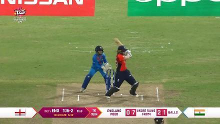 ENG v IND: Natalie Sciver's unbeaten 52