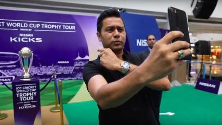 #CWCTrophyTour, driven by Nissan Kicks, visits Mumbai