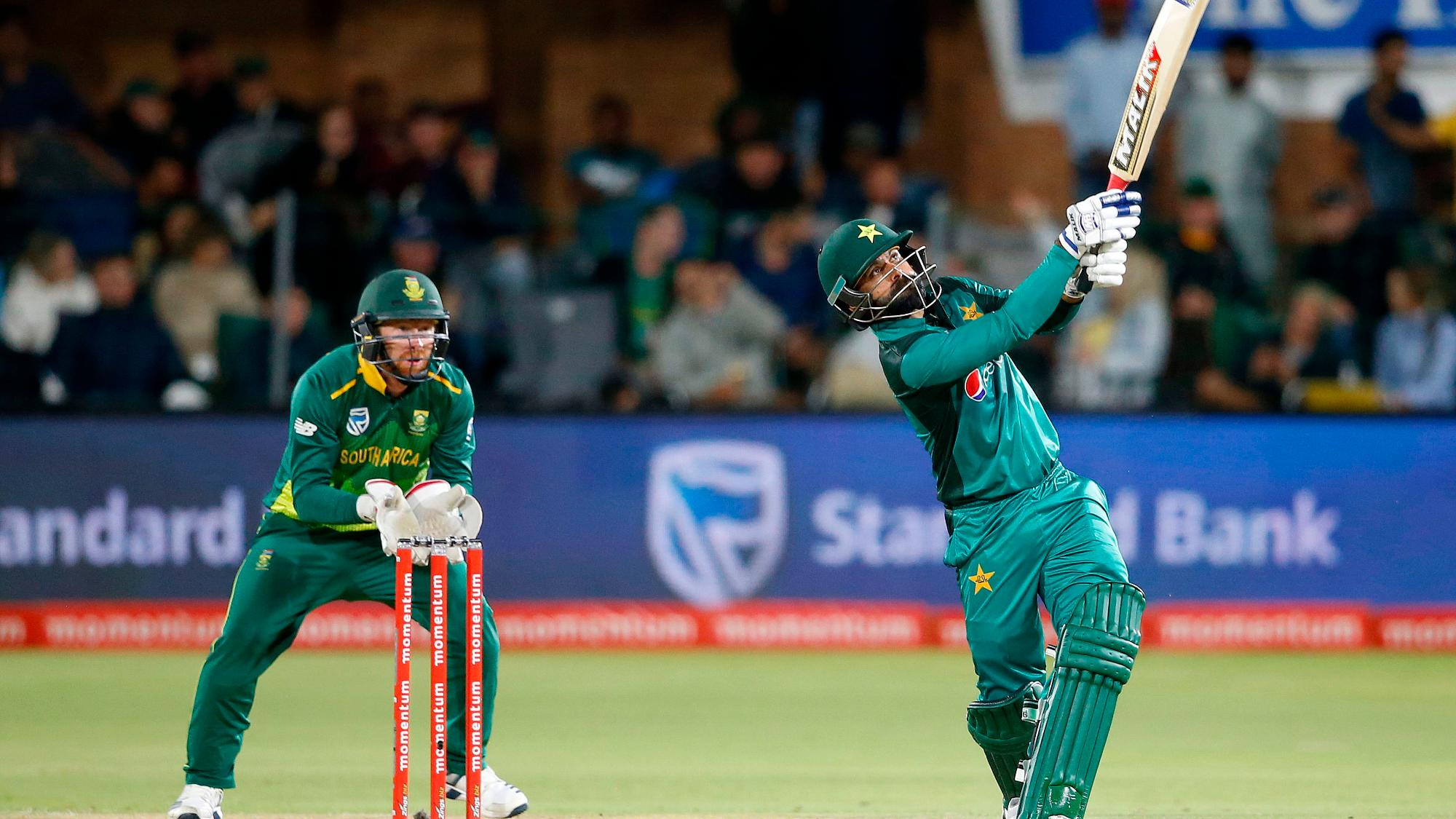 Ice-cool Hafeez seals thriller as Pakistan claim 1-0 lead over South Africa