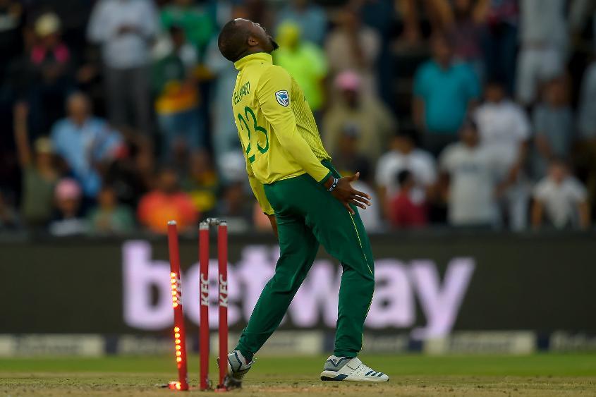 Andile Phehlukwayo celebrates another late wicket