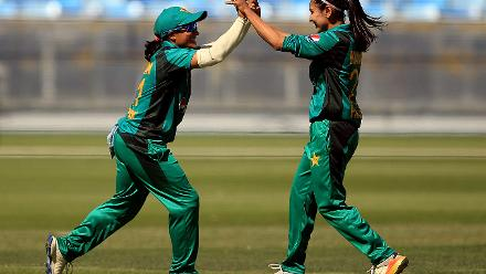 Kainat Imtiaz (right) took three wickets for Pakistan