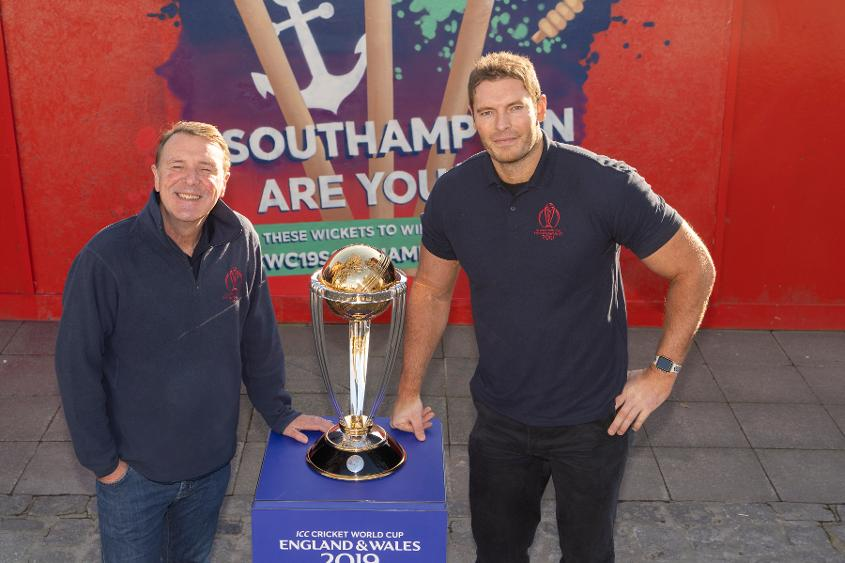 Former England bowlers Phil Tufnell & Chris Tremlett were at the unveiling of the mural