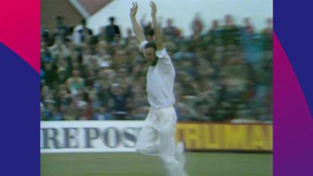 CWC Greatest Moments - Mike Hendrick smothers Pakistan