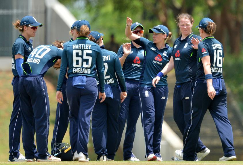 England claimed regular wickets
